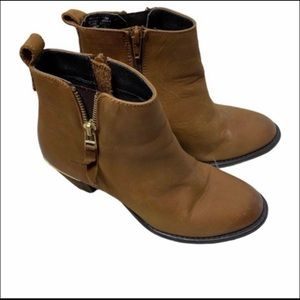 STEVE MADDEN WHENDY LEATHER BOOTS